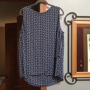 Chico sleeveless top. Layered front, long back sz4